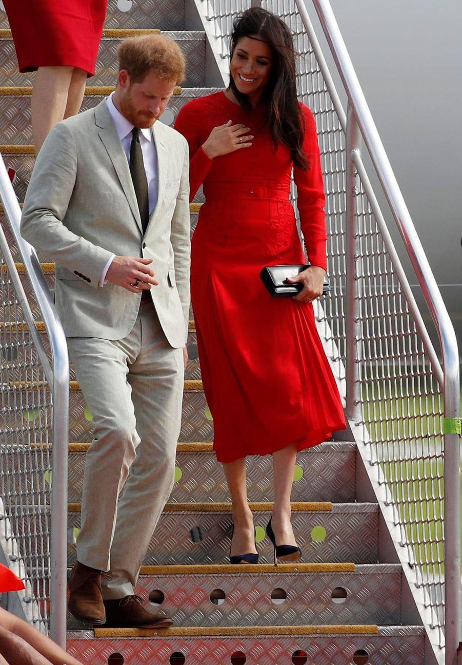 Meghan Et Harry Arrivent Au Royaume Du Tonga ( 2