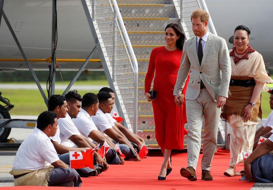 Meghan Et Harry Arrivent Au Royaume Du Tonga ( 3
