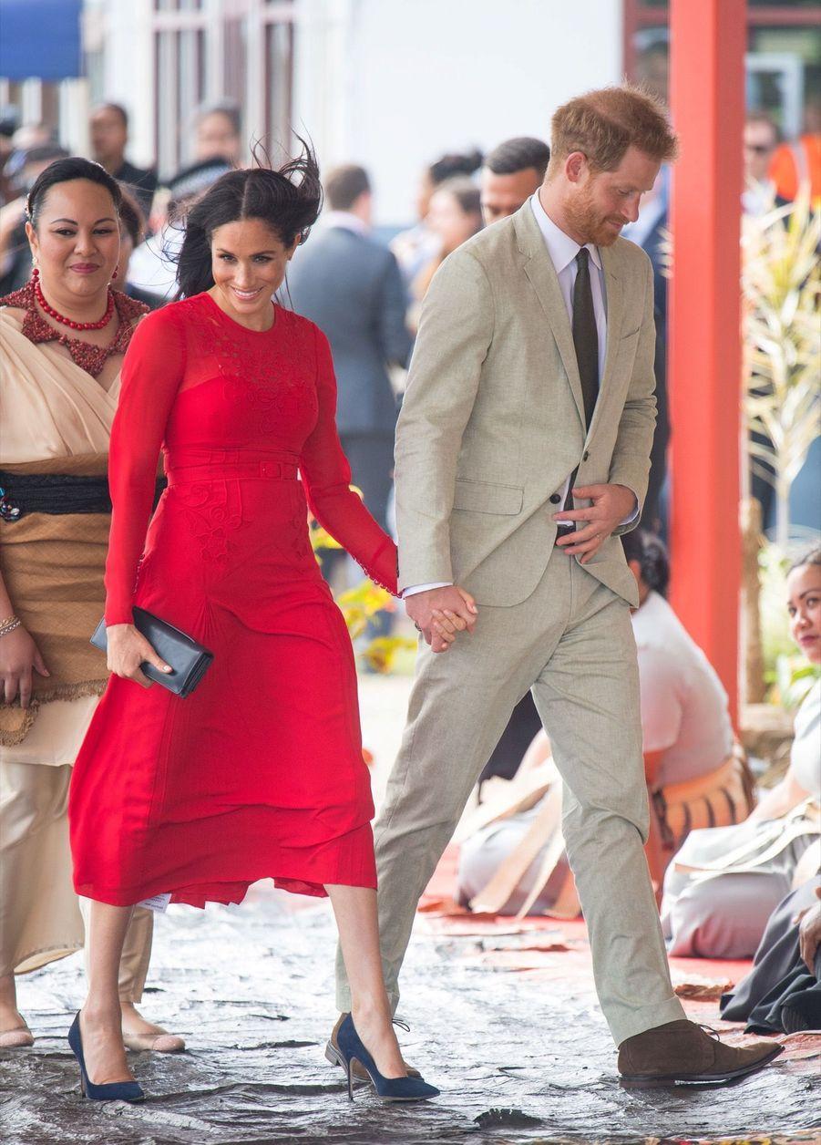 Meghan Et Harry Arrivent Au Royaume Du Tonga ( 9