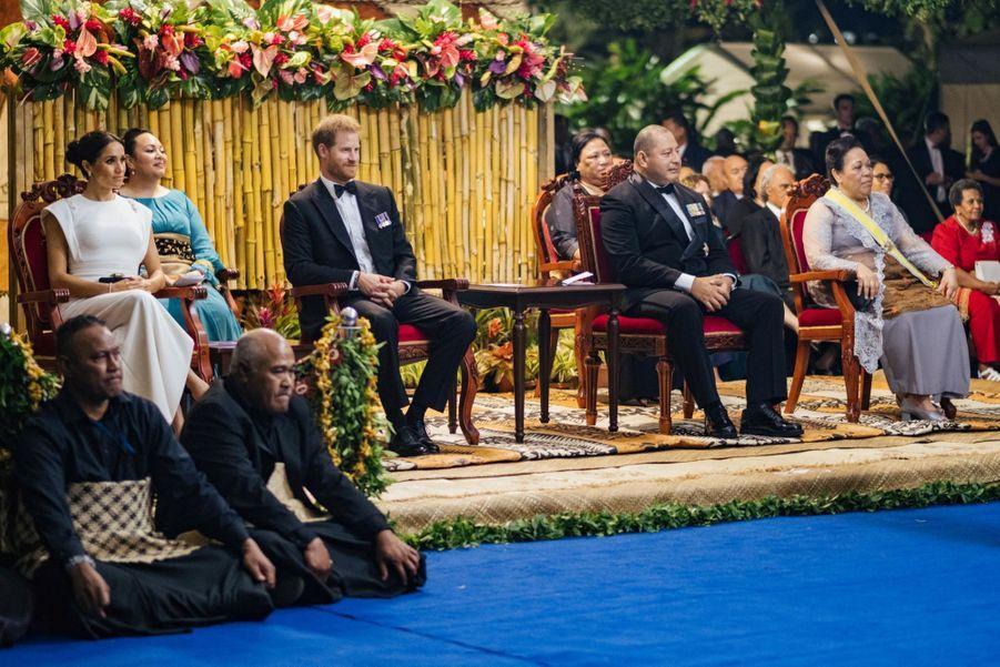 Meghan Et Harry Au Dîner D'Etat Du Roi Tupou VI Du Tonga ( 10