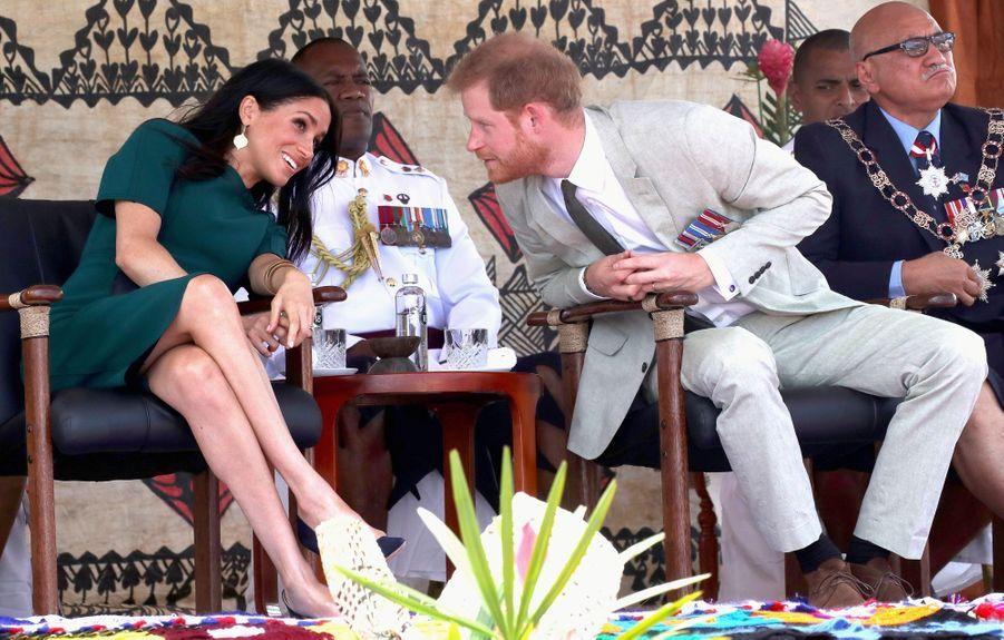 Meghan Et Harry Disent Au Revoir Aux Fidji ( 16