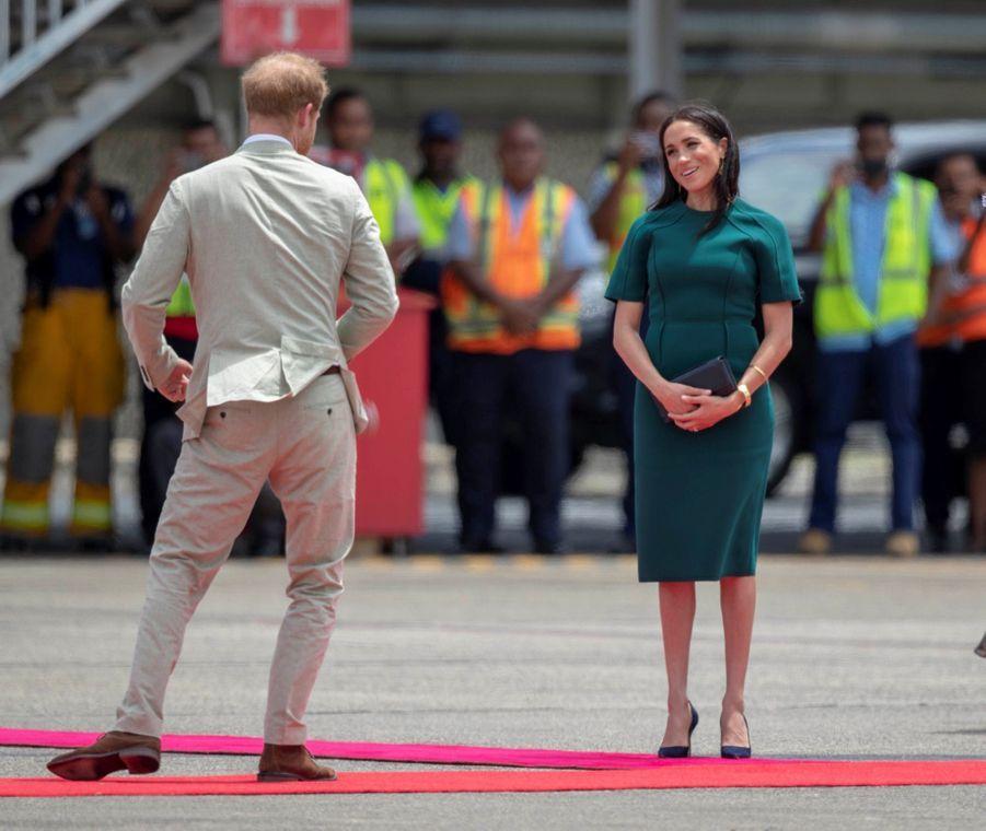 Meghan Et Harry Disent Au Revoir Aux Fidji ( 20