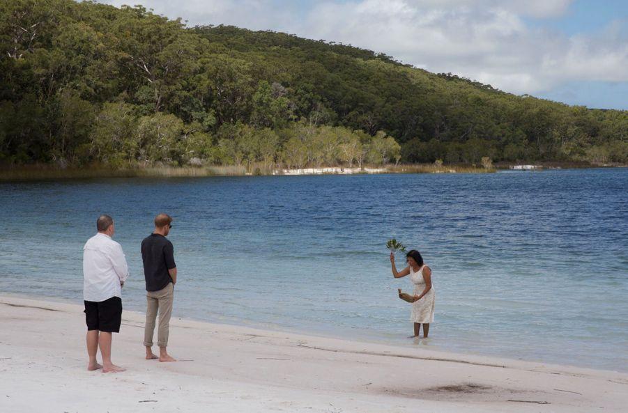 Le Prince Harry À La Rencontre D'une Communauté Aborigène En Australie ( 4