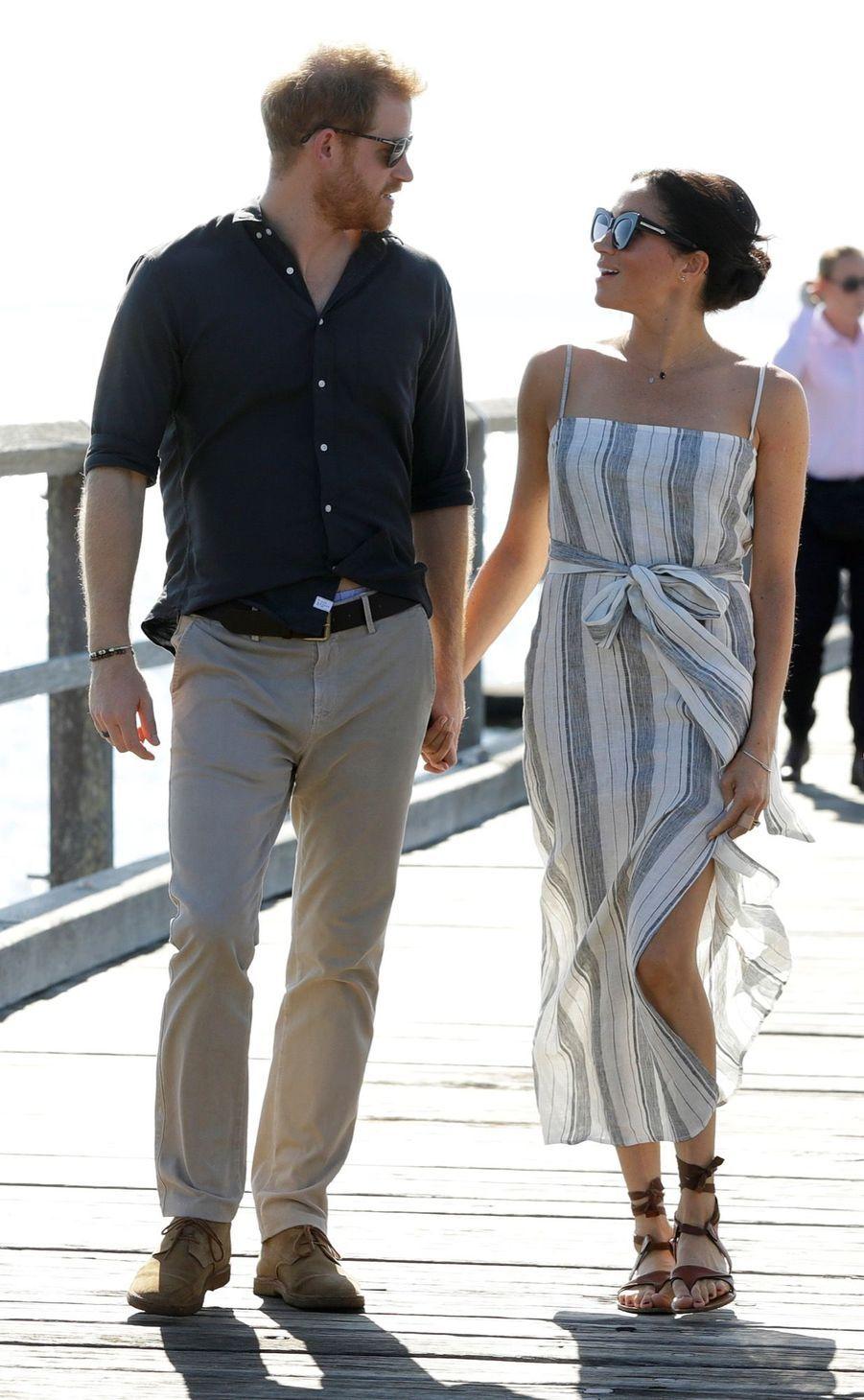 Meghan Et Harry, Promenade À Kingfisher Bay ( 12