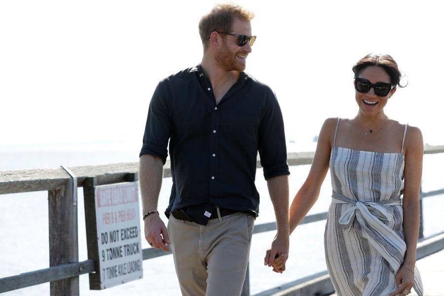 Meghan Et Harry, Promenade À Kingfisher Bay ( 14