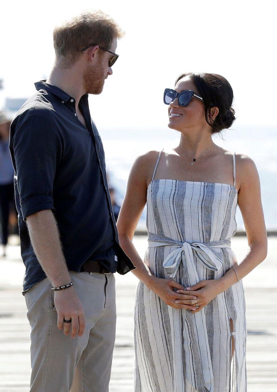 Meghan Et Harry, Promenade À Kingfisher Bay ( 17