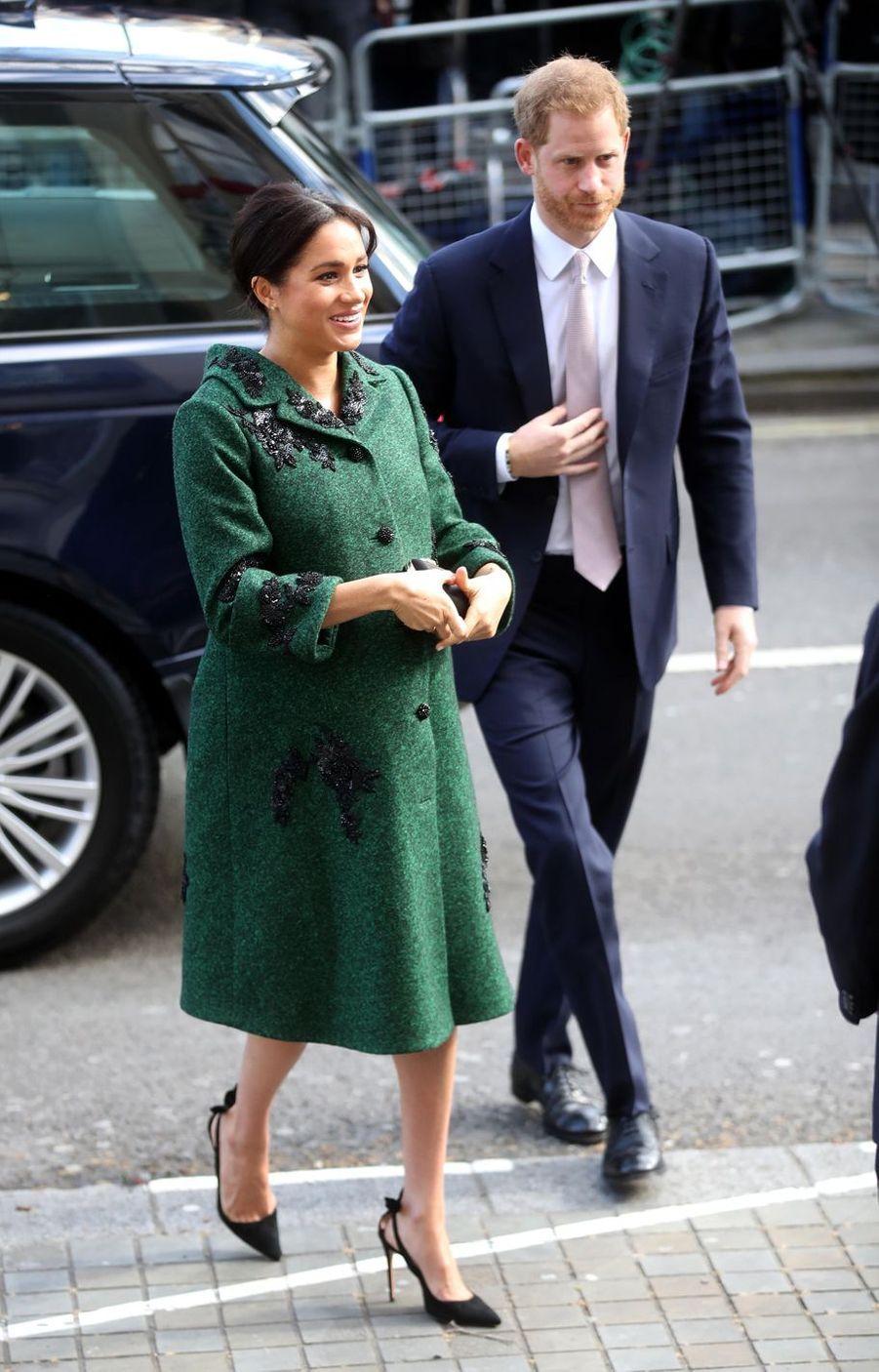 Meghan Markle dans un manteau Erdem et le prince Harry à Londres, le 11 mars 2019