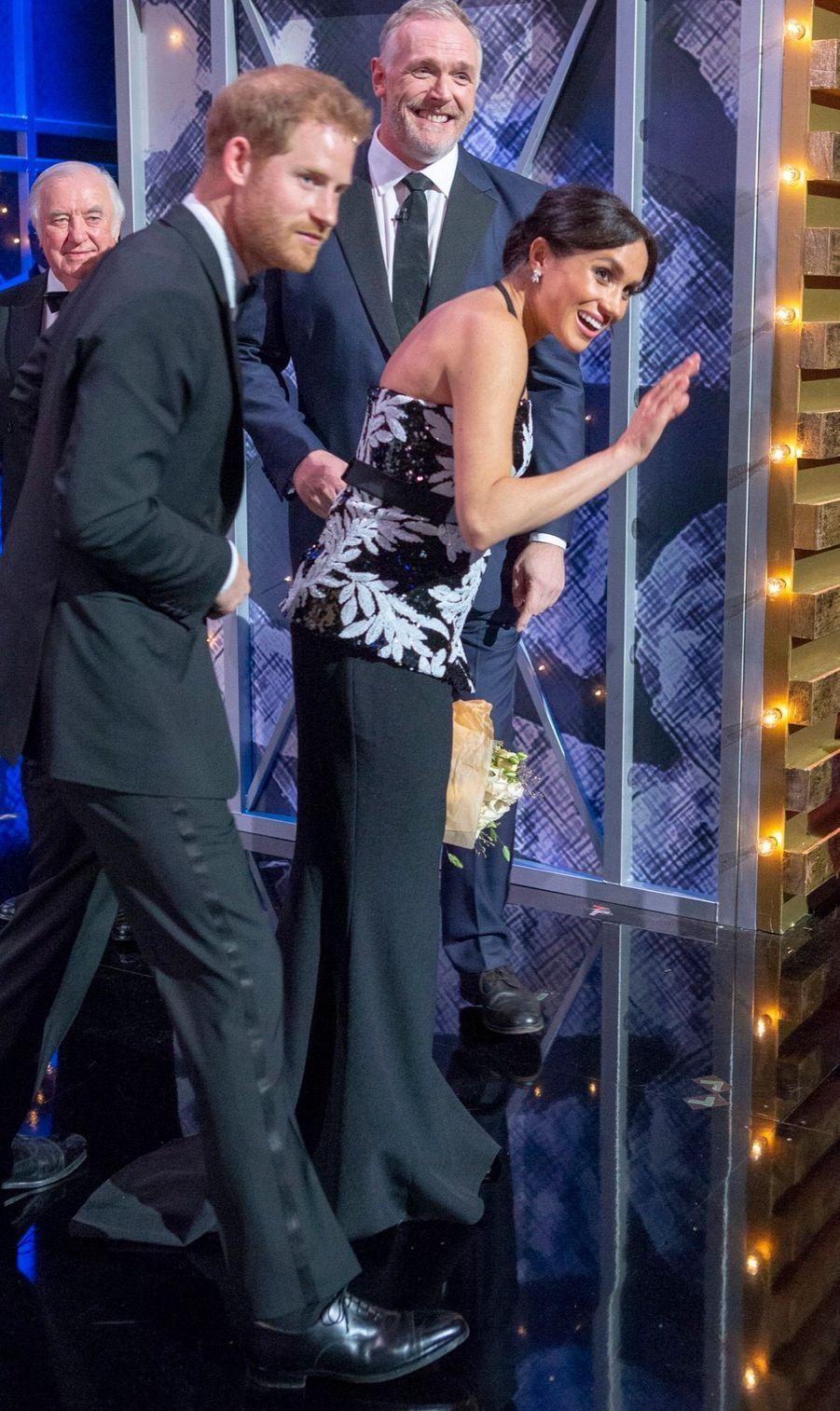 Meghan Et Harry Au Royal Variety Performance ( 18