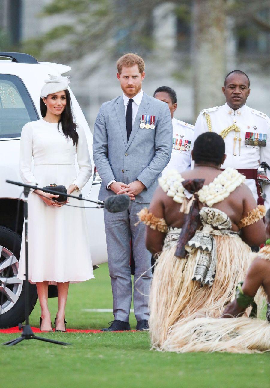 Meghan Et Harry Accueillis Aux Fidji ( 15