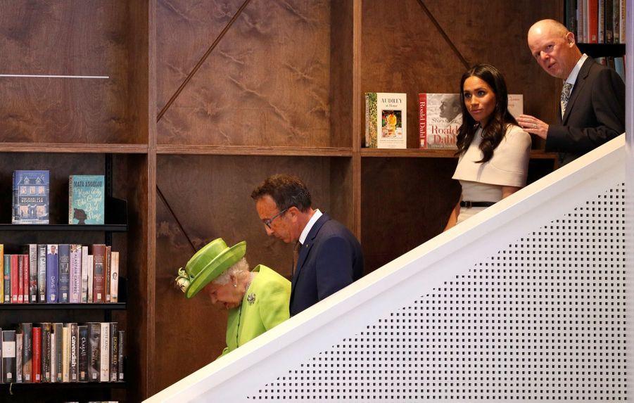 Meghan Markle Et La Reine Elizabeth II En Viste Dans Le Nord De L'Angleterre ( 18