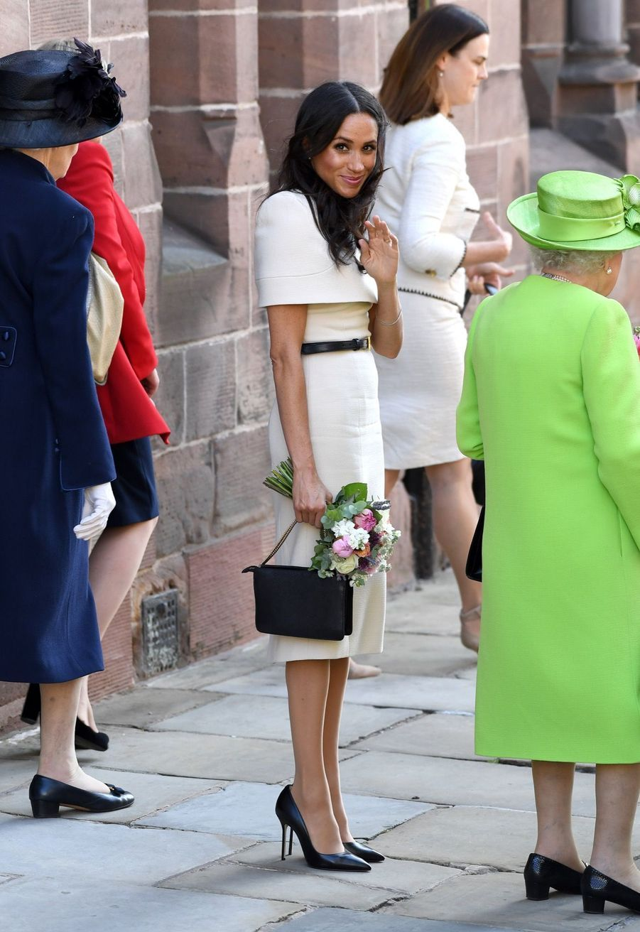 Meghan Markle Et La Reine Elizabeth II En Viste Dans Le Nord De L'Angleterre ( 27