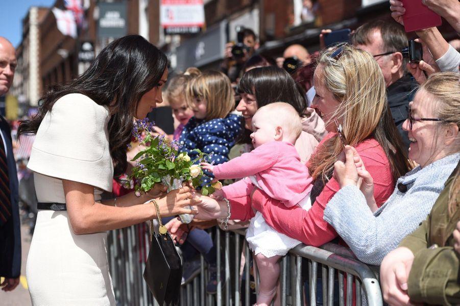 Meghan Markle Et La Reine Elizabeth II En Viste Dans Le Nord De L'Angleterre ( 29