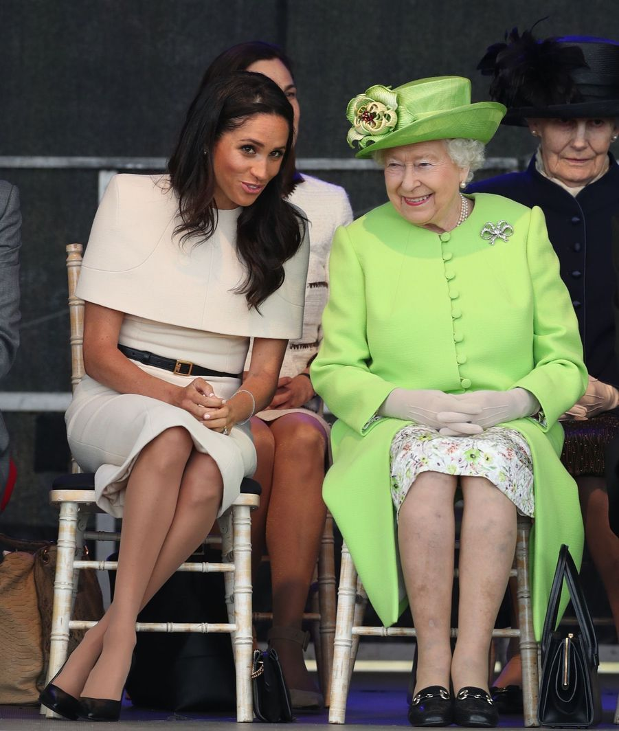 Meghan Markle Et La Reine Elizabeth II En Viste Dans Le Nord De L'Angleterre ( 9