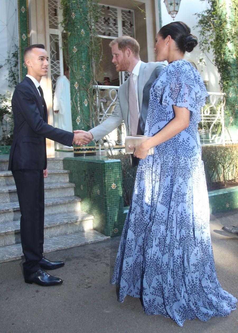 A leur arrivée à la résidence royale de Salé, dans les environs de Rabat, le couple a été accueilli par le prince héritier Moulay Hassan.