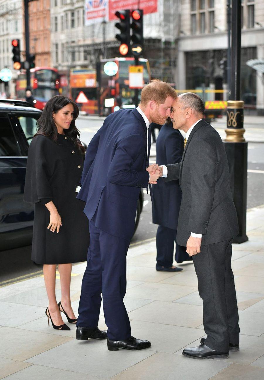 Le prince Harry et lehaut-commissaire de Nouvelle-Zélande au Royaume-UniJerry Mateparaeà Londres le 19 mars 2019