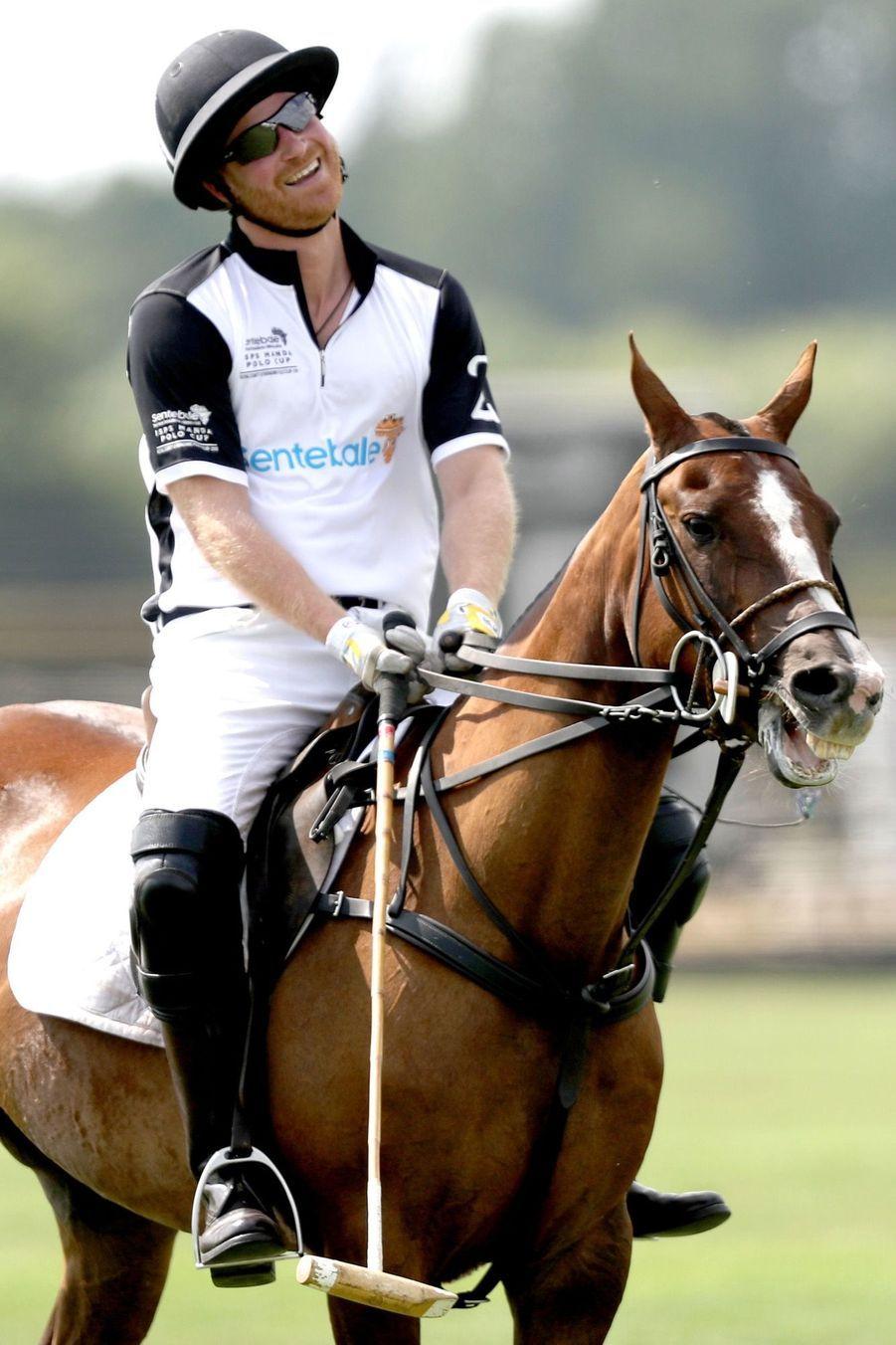 Le prince Harry à la Sentebale Polo Cup