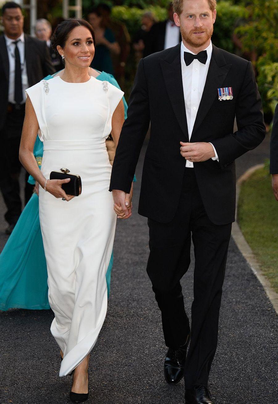 Le duc et la duchesse de Sussex arrivant à Nuku'alofa (Tonga) pour le dîner officiel, le 25 octobre 2018.
