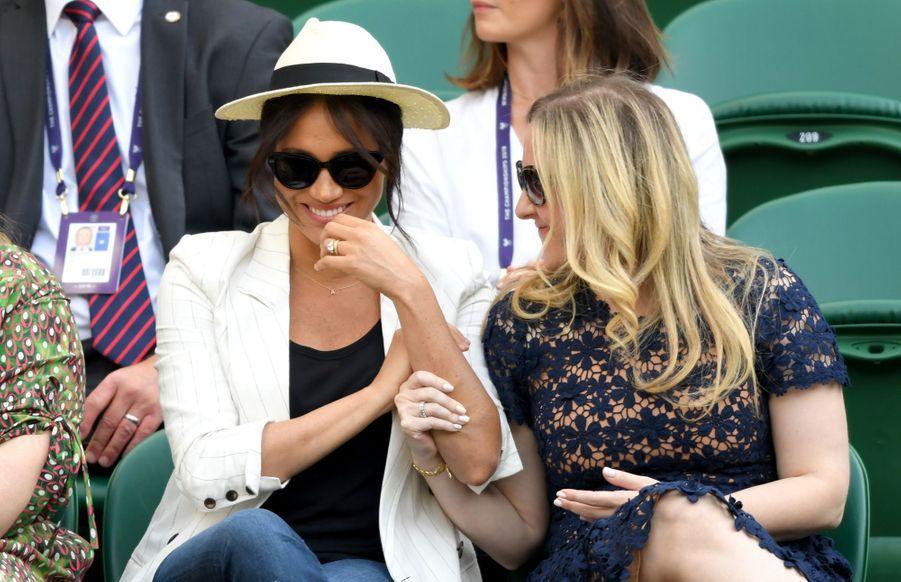 Meghan Markle entourée de ses amiesGenevieve Hills et Lindsay Roth à Wimbledon le 4 juillet 2019