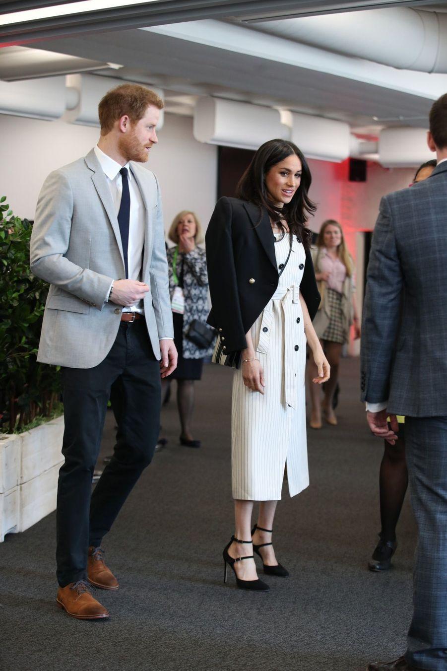 Meghan Markle Et Le Prince Harry Au Forum De La Jeunesse Du Commonwealth 13