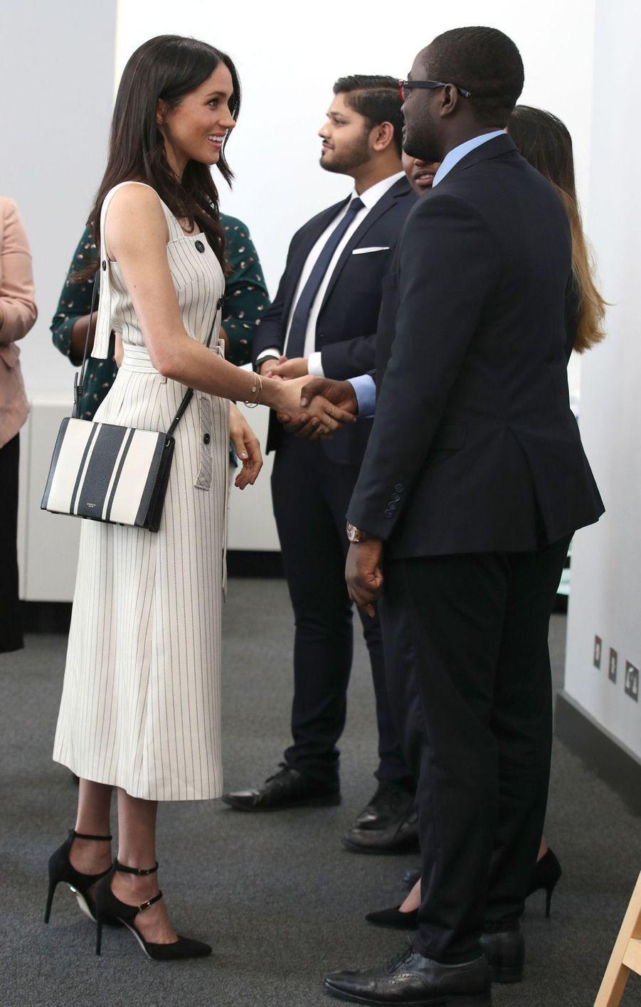 Meghan Markle Et Le Prince Harry Au Forum De La Jeunesse Du Commonwealth 16