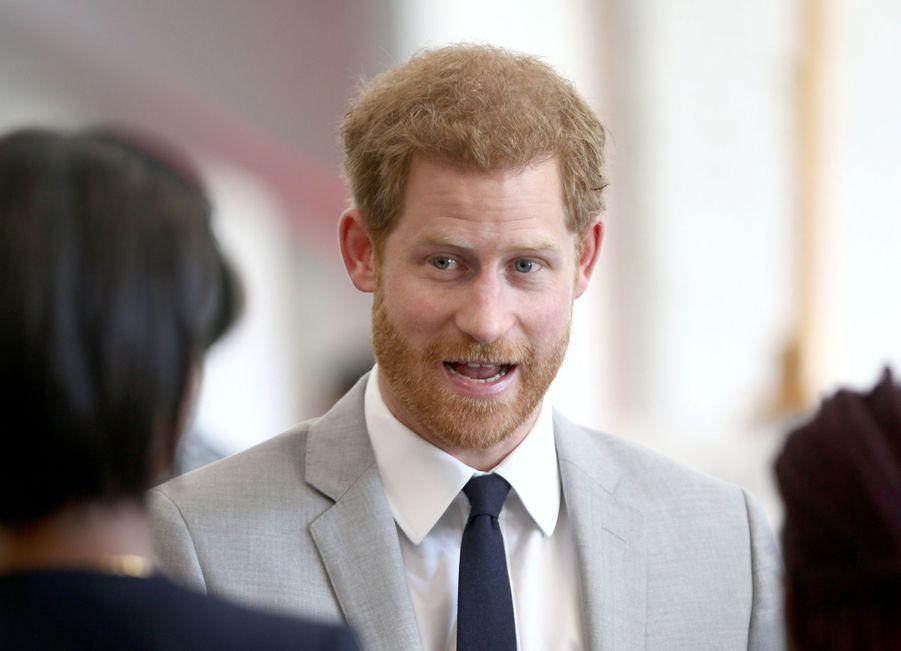 Meghan Markle Et Le Prince Harry Au Forum De La Jeunesse Du Commonwealth 17