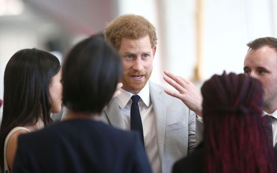 Meghan Markle Et Le Prince Harry Au Forum De La Jeunesse Du Commonwealth 19