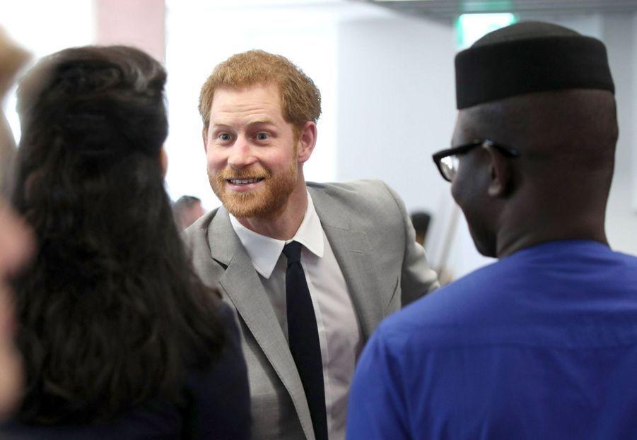 Meghan Markle Et Le Prince Harry Au Forum De La Jeunesse Du Commonwealth 31