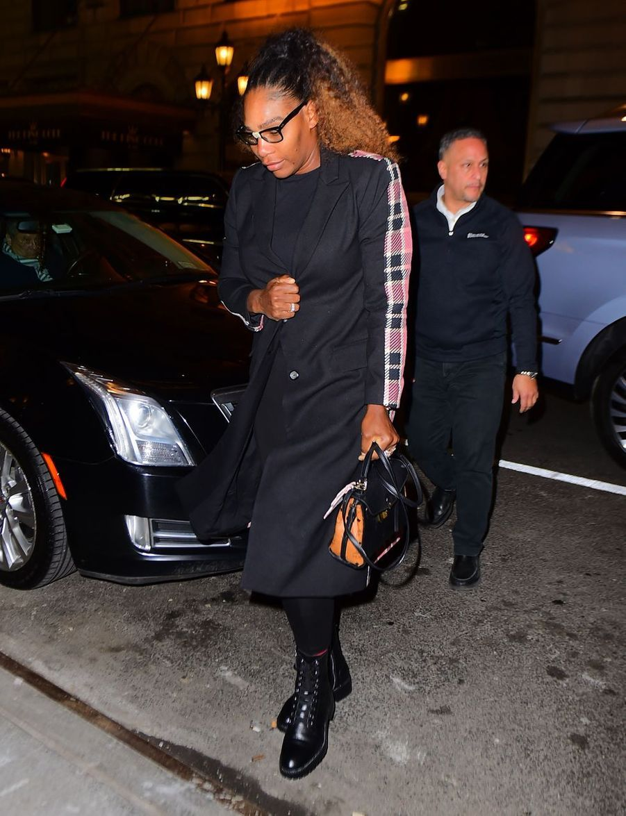 Serena Williams arrive au restaurant The Polo Bar à New York City, le 19 février 2019.