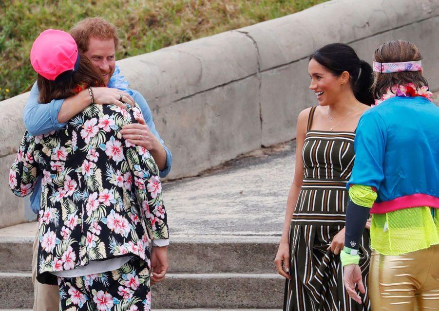Meghan Et Harry Sur La Plage De Bondi, À Sydney ( 3