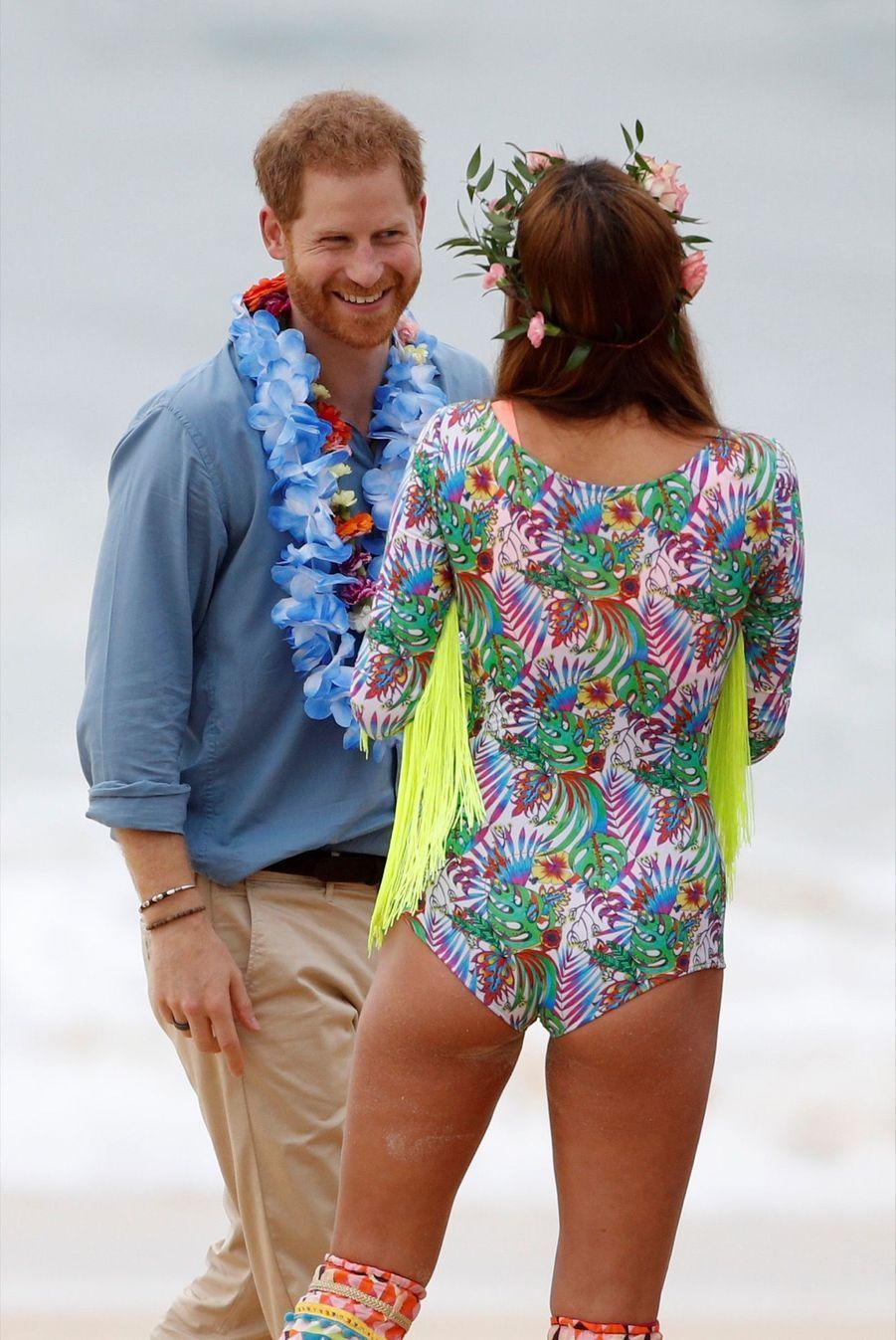 Meghan Et Harry Sur La Plage De Bondi, À Sydney ( 34