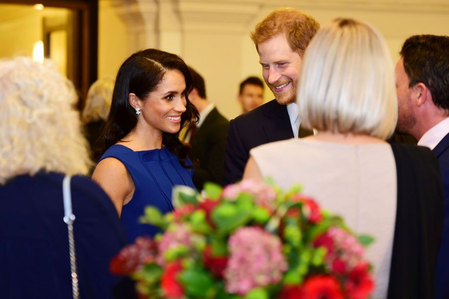 La Duchesse de Sussex Meghan Markle était de sortie jeudi soir au bras de son époux le prince Harry pour le gala 100 Days to Peace.