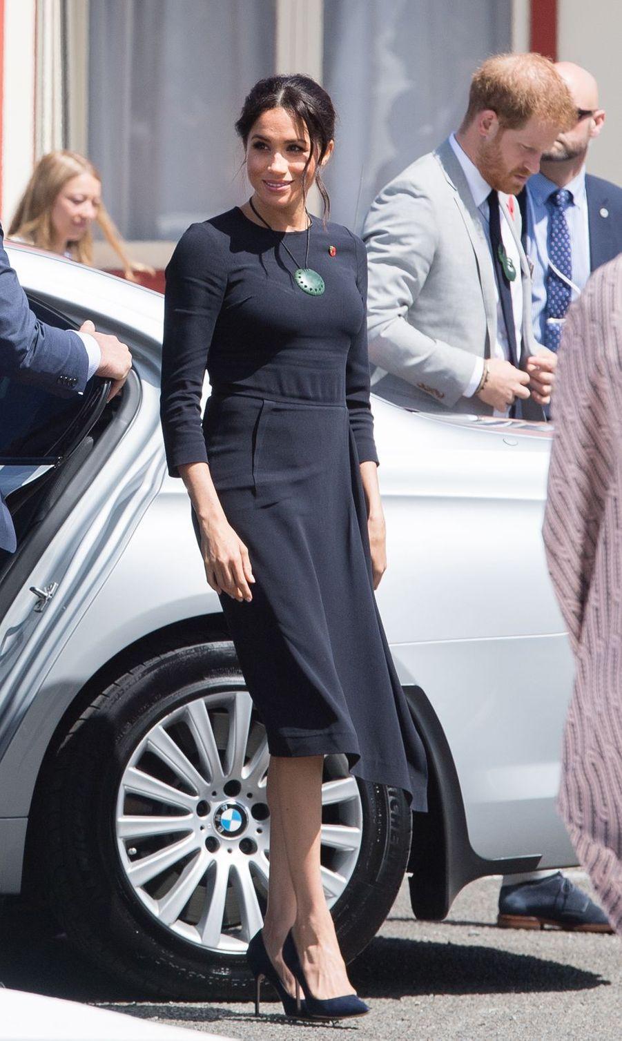 Meghan Markle, dans une robe Stella McCartney, en Nouvelle Zélande le 31 octobre 2018