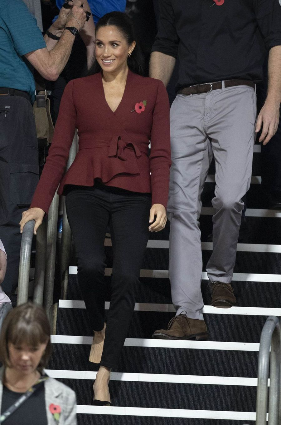 Meghan Markle, dans une veste Scanlan Theodore, en Australie le 27 octobre 2018