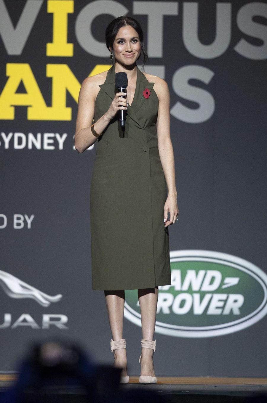 Meghan Markle, dans une robe Antonio Berardi, en Australie le 27 octobre 2018