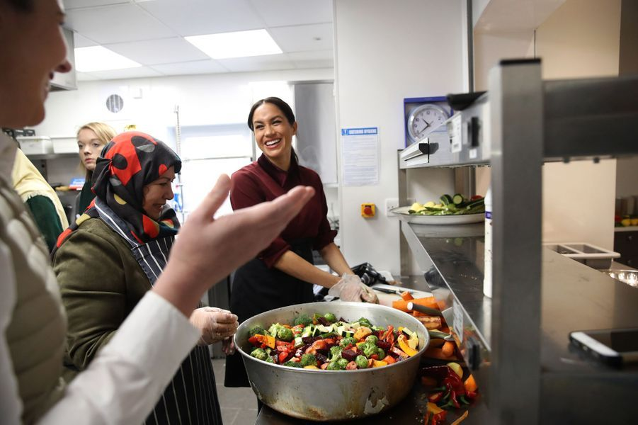 La duchesse de Sussex a rendu visite à ses amies de l'association Hubb Community Kitchen à Londres.
