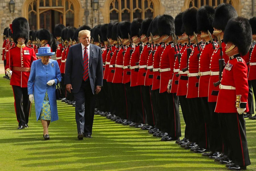 Melania et Donald Trump ont rencontré vendredi la reine Elizabeth II au château de Windsor.