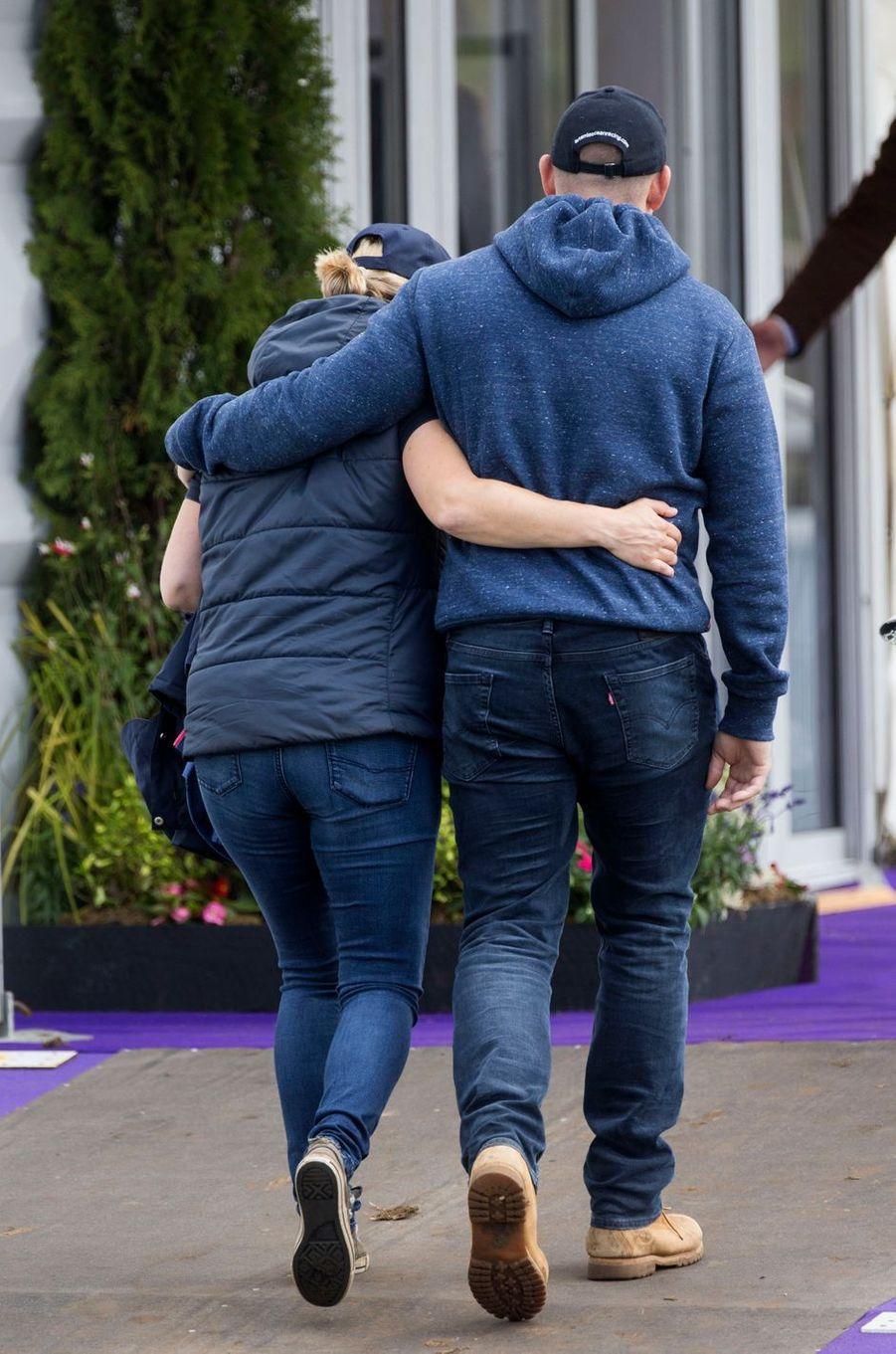 Zara Phillips et son mari Mike Tindall à Gatcombe Park, le 6 août 2017