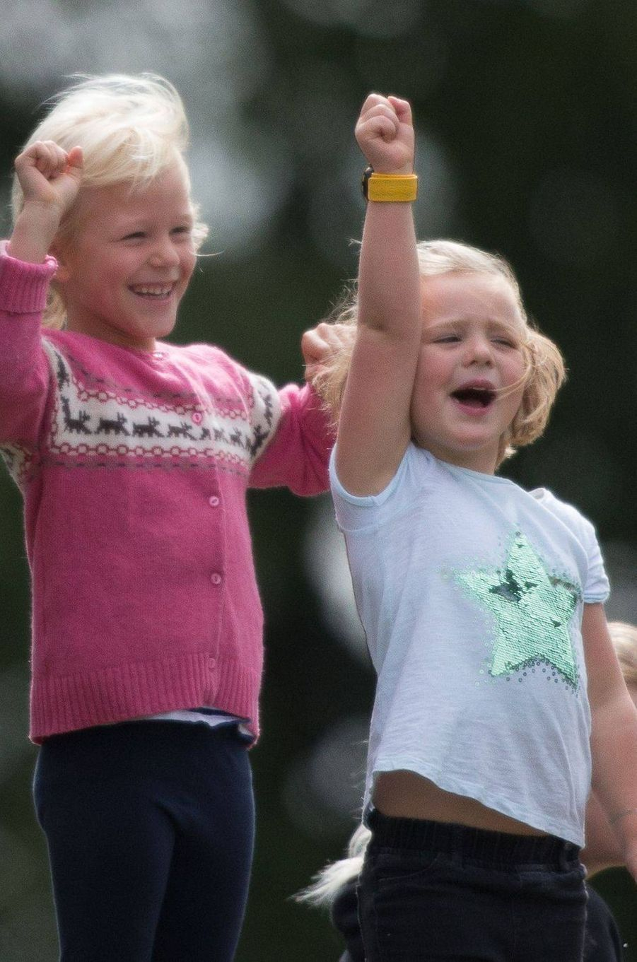 Mia Tindall avec sa cousine Isla Phillips à Gatcombe Park, le 9 septembre 2018