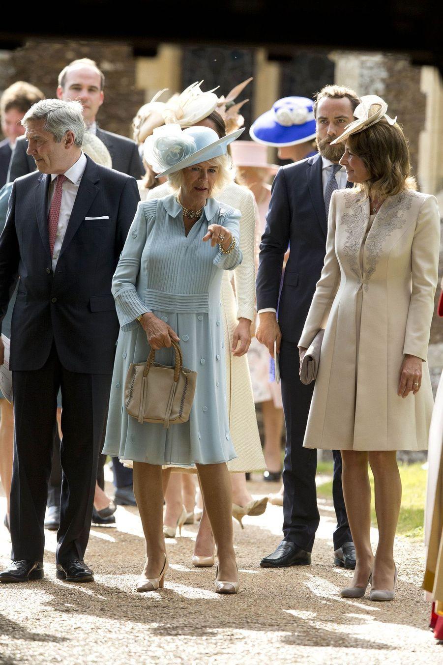 Camilla et Carole Middleton au baptême de la princesse Charlotte