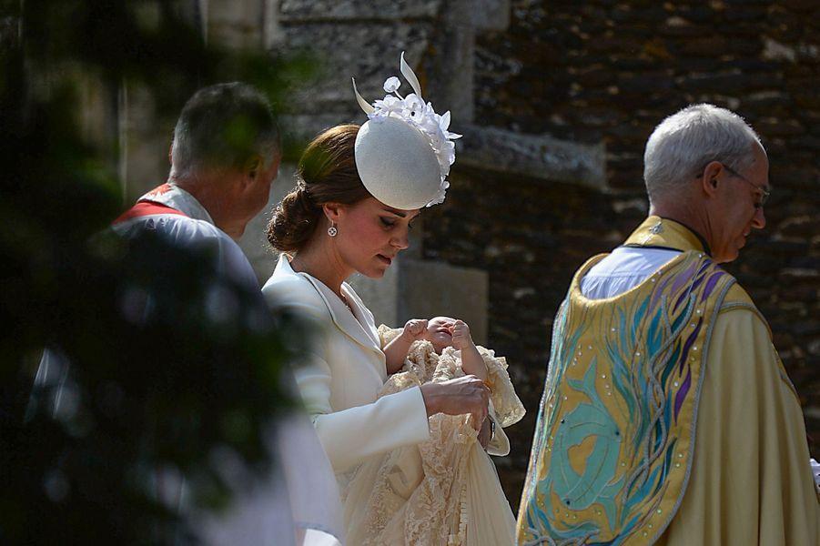 Kate au baptême de la princesse Charlotte