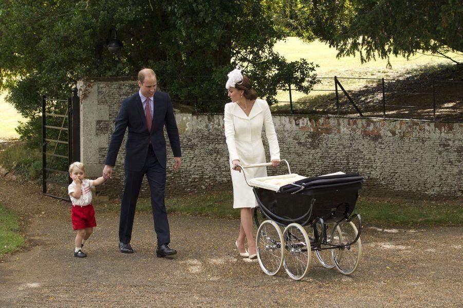 Kate, William et George au baptême de la princesse Charlotte