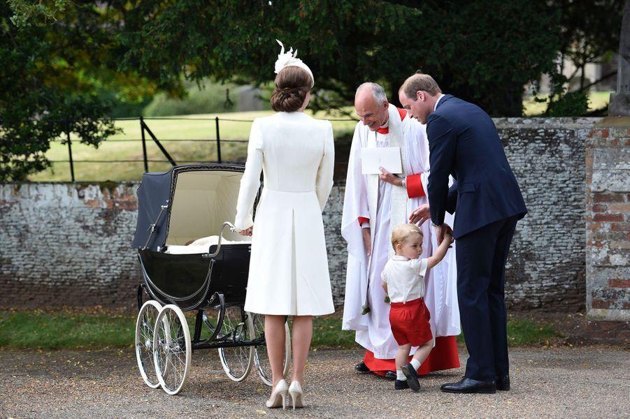 Kate, William, et George au baptême de la princesse Charlotte
