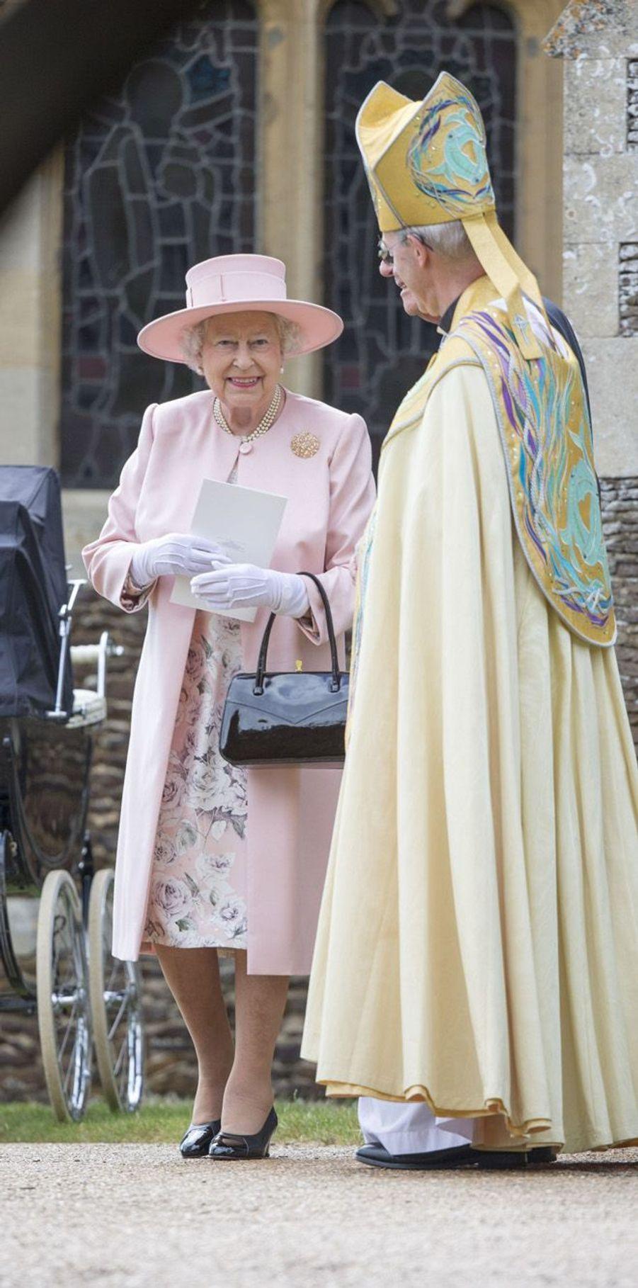 La reine et l'archevèque Justin Welby au baptême de la princesse Charlotte