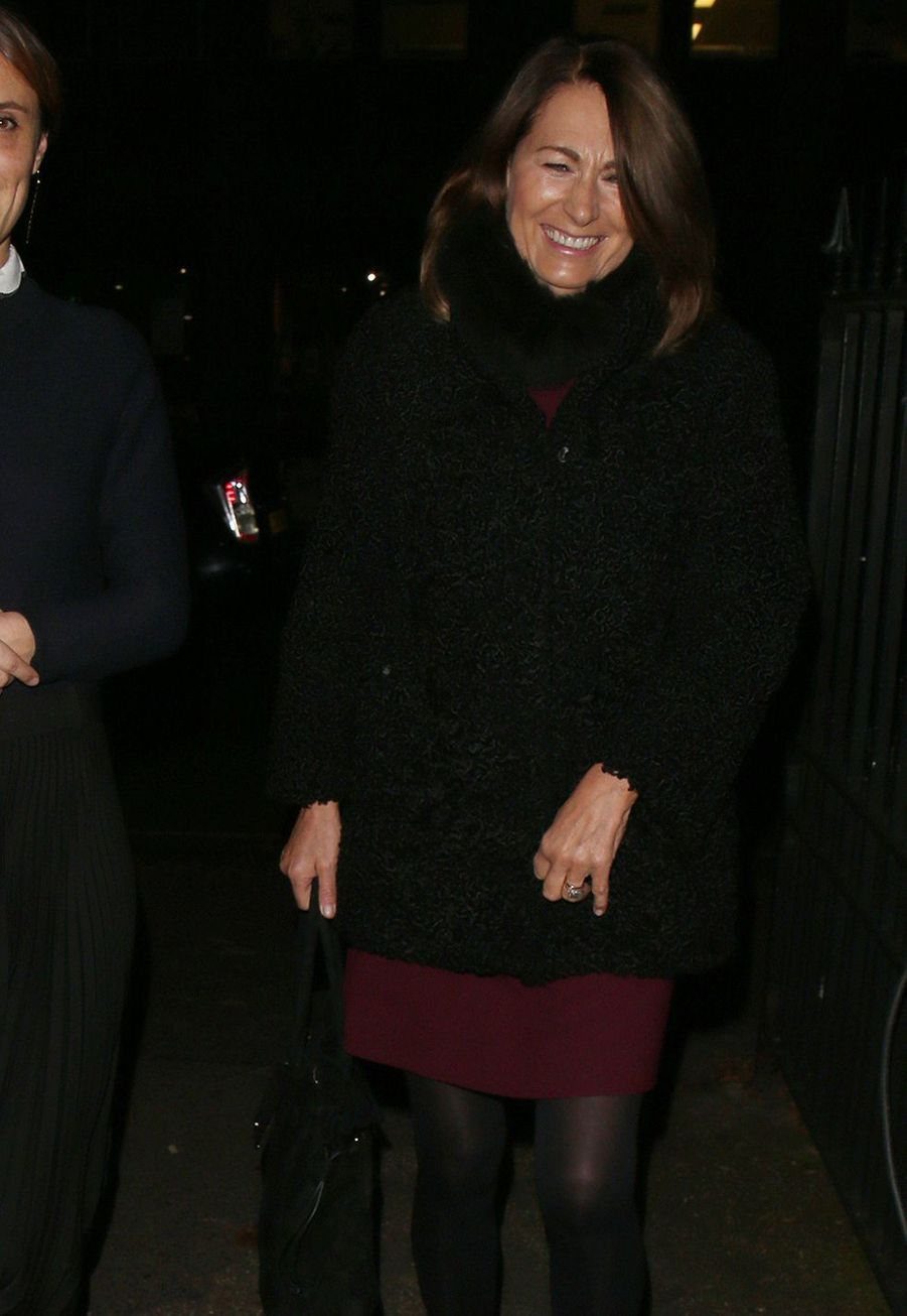 Carole Middletonarrive à StLuke's Church à Londres pour assister à un concert de Noël organisé parThe Henry van Straubenzee Memorial Fundle 4 décembre 2019.