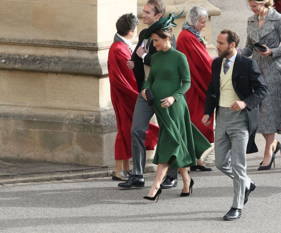 Pippa Middleton Très Enceinte Au Mariage De La Princesse Eugenie D'York ( 7