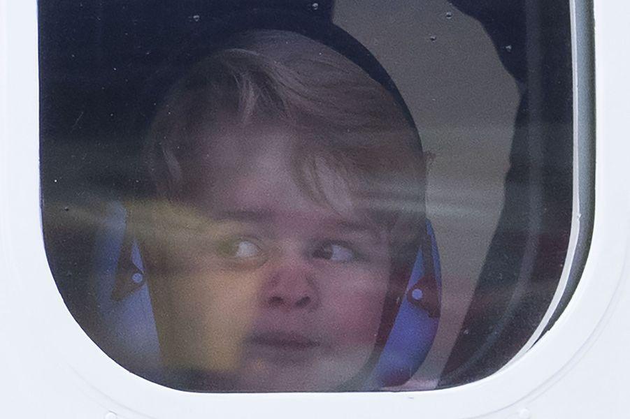 2016, George dans l'avion, au Canada.