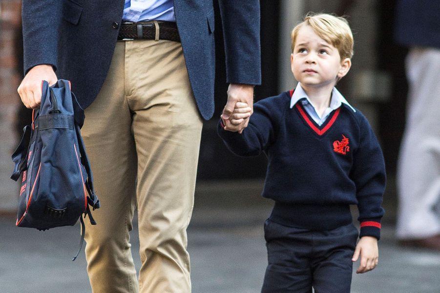 Le premier jour d'école du prince George en septembre 2017.
