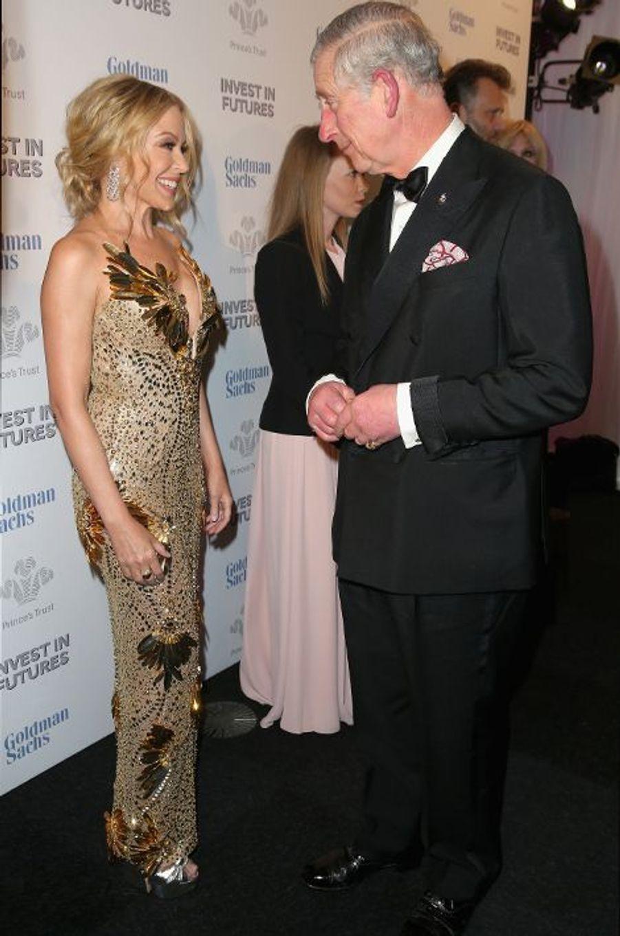 Le prince Charles avec Kylie Minogue à Londres, le 4 février 2016