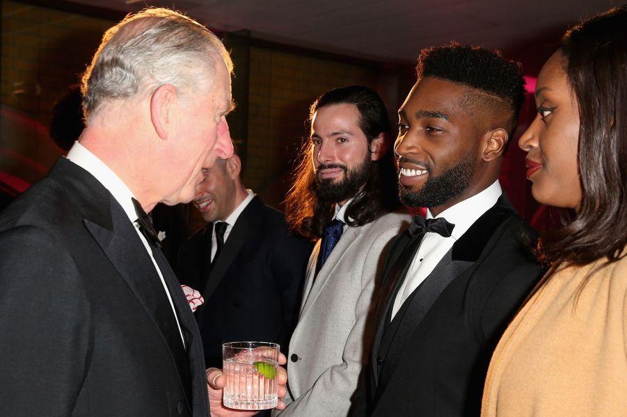 Le prince Charles avec Tinie Tempah à Londres, le 4 février 2016