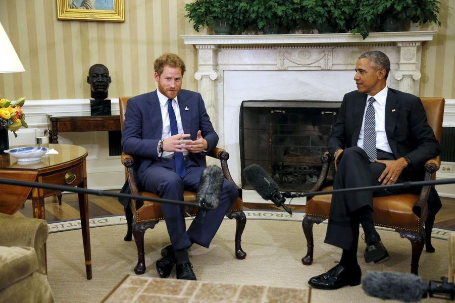 Le prince Harry avec Barack Obama à Washington, le 28 octobre 2015